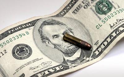 Οι ΗΠΑ κήρυξαν τον πόλεμο στις ευρωπαϊκές τράπεζες
