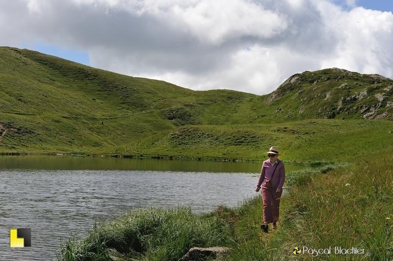 valérie blachier fait le tour du lac noir photo pascal blachier