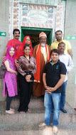 ताज महोत्सव् में  प्रस्तुति  के बाद  कलाकारों ने मरकज़ साबरी में हाजरी दी