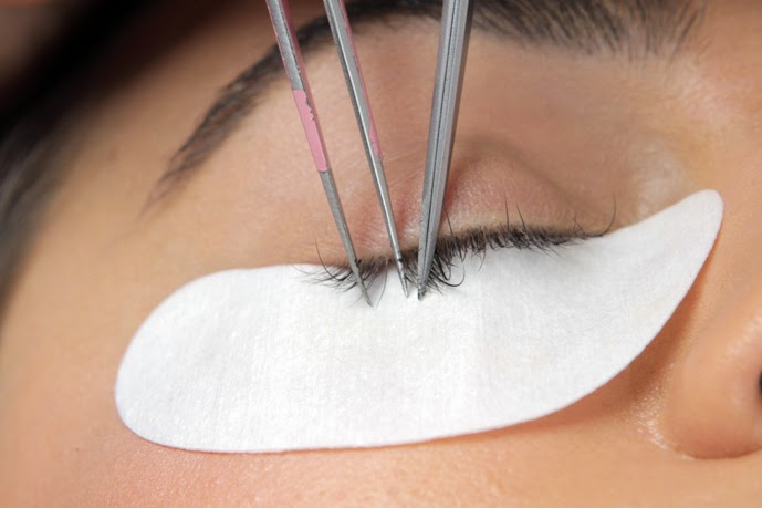 Holly Tells Lash Tales Confessions Of Lash Extension Tech Local