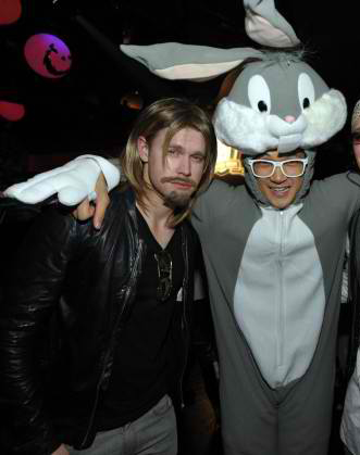 Chord Overstreet and Harry Shum Jr of GLEE as Brad Pitt and Bugs Bunny  sc 1 st  stalk online magazine : brad pitt halloween costume  - Germanpascual.Com