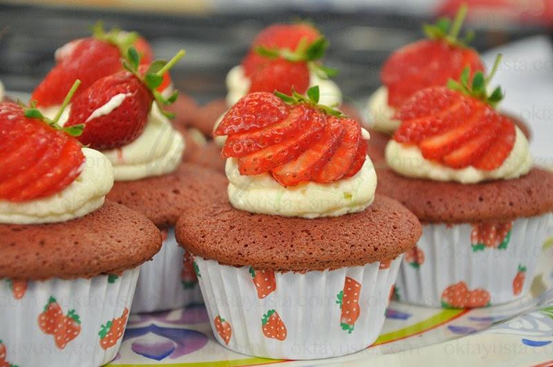 Kırmızı Kadife Kek Tarifi Mini Kekler