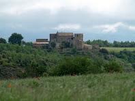 La masia de Torre de Flot vista des del trencall a Brics