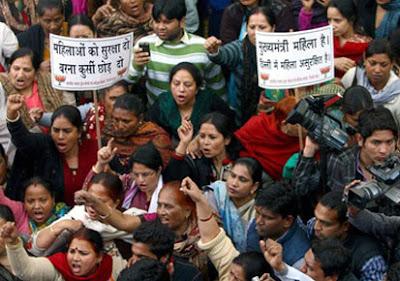 gambar sekitar demonstrasi kes bunuh wanita di india 21