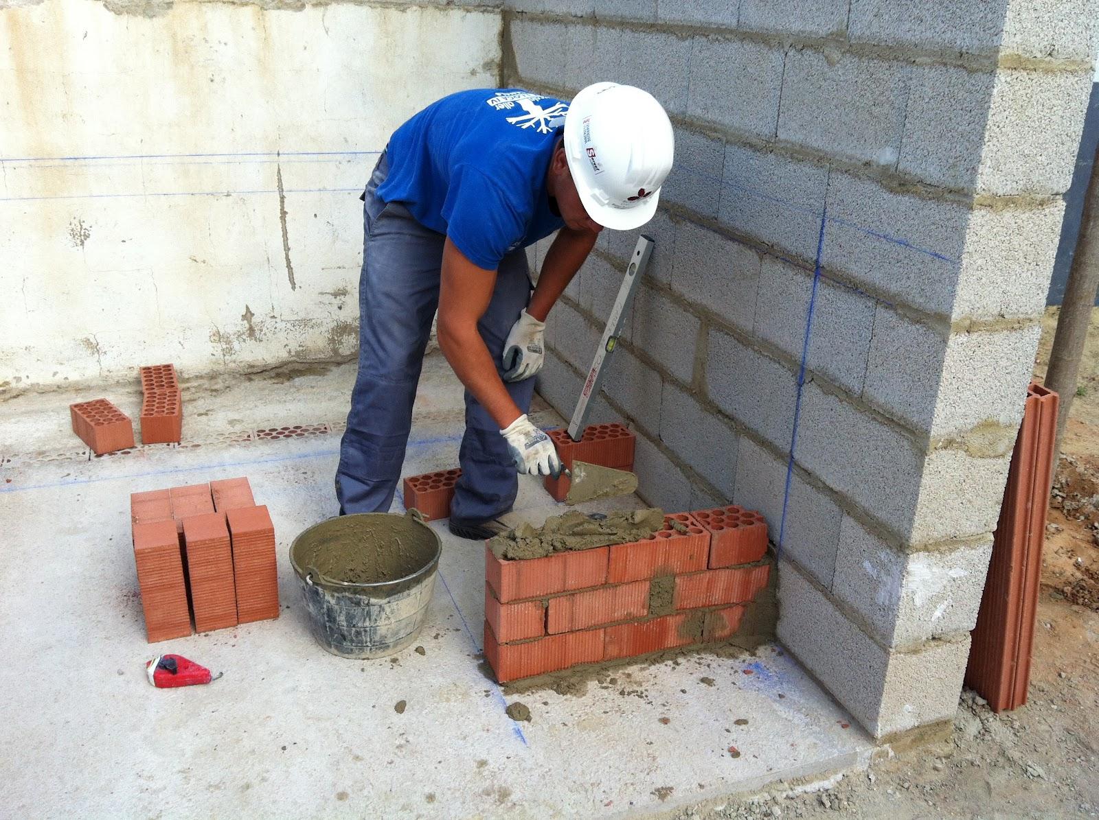 Practicas de construcci n de barbacoa escuela taller la - Construccion barbacoa ...