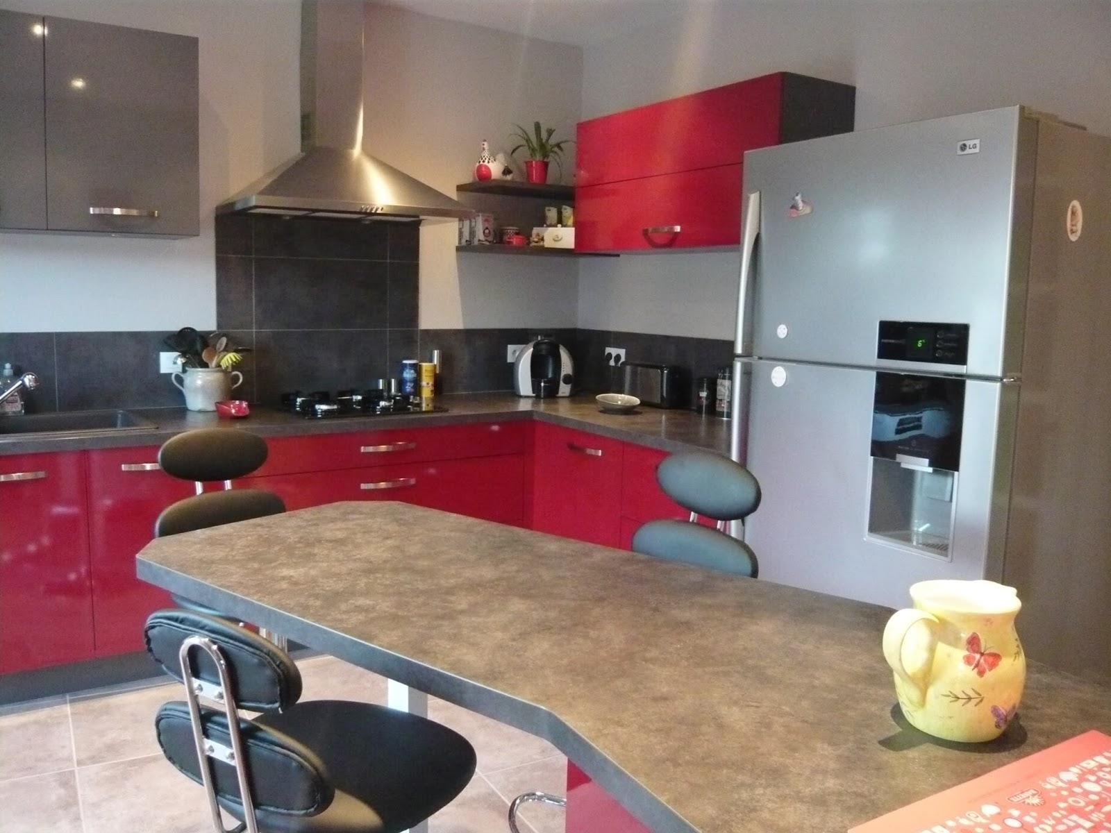 stunning cuisine rouge plan de travail gris images - design trends ... - Plan De Travail Cuisine Gris Anthracite