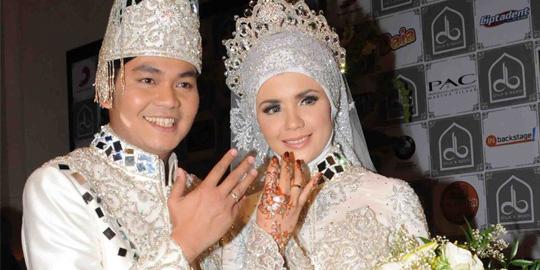 Foto Pernikahan Indra Bekti