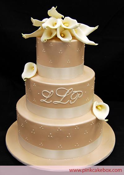 alternative wedding wedding cake monograms. Black Bedroom Furniture Sets. Home Design Ideas