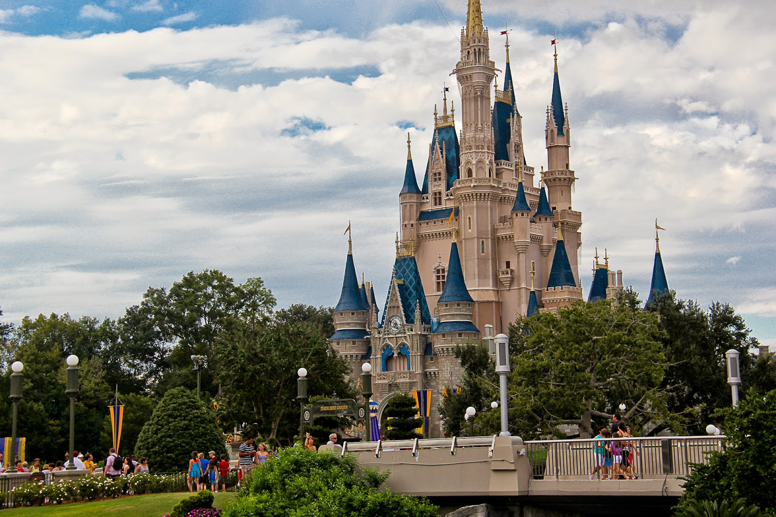 Wendys world of disney what is the disney world resort part 1 and when you are inside the parks you will not see a lot of the outside world especially within magic kingdom as this is how walt intended it publicscrutiny Gallery