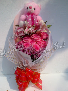 bunga mawar cantik dan segar, bouquet bunga mawar, bouquet bunga lily, bouquet bunga segar, hadiah bunga untuk pacar, buket bunga elegan, bouquet bunga cantik