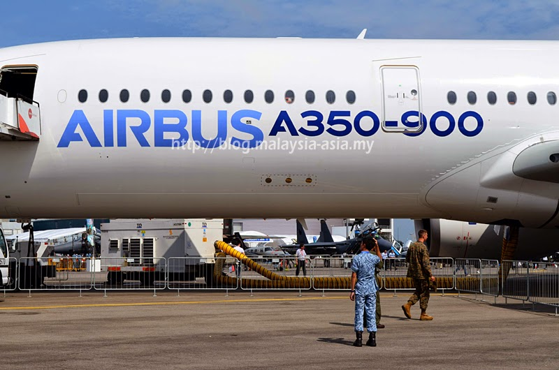 A350-900 Fuselage Photo