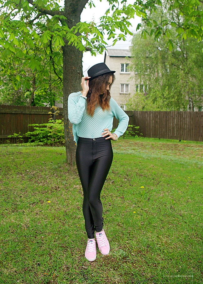 How to casually style disco pants, Spring outfit in disco pants