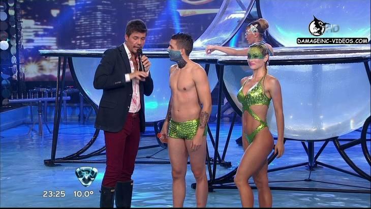 Sofia Macaggi en bikini verde en el Bailando 2012 HD 720p damageinc-videos