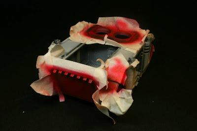 Vista trasera del razorback pintado de Rojo Escarlata de Vallejo Model Air