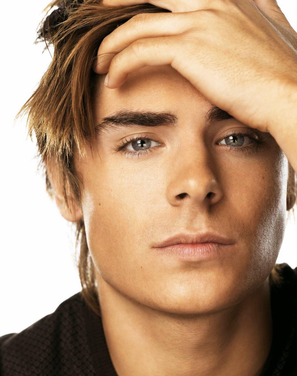http://4.bp.blogspot.com/-TLvUrGTjw2o/T2soPc15lYI/AAAAAAAAAy4/LgReh7iqRAo/s1600/Zac-Efron-Beautiful-Eyes-Picture.jpg
