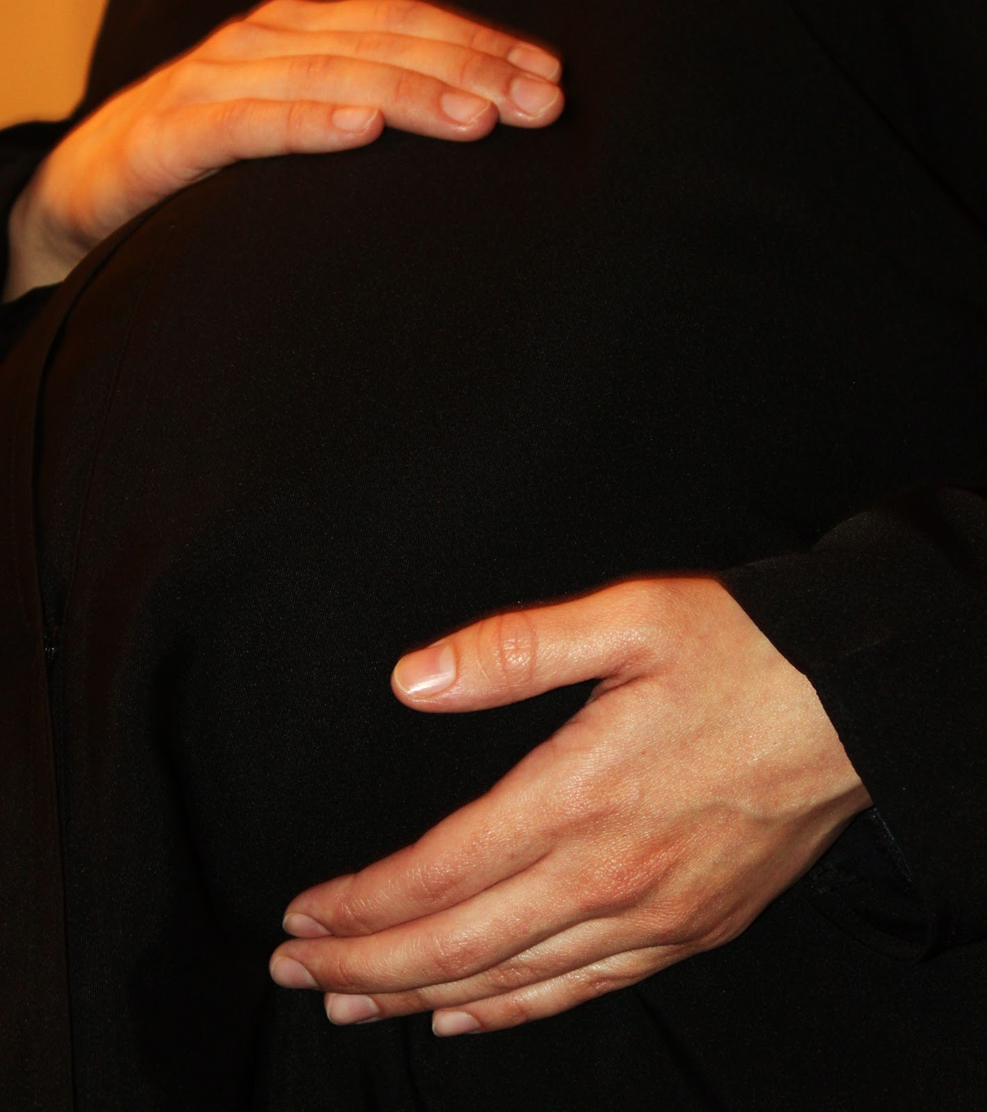 Pregnant+abaya When we begin to visualize pregnancy as far more than a physical state, ...