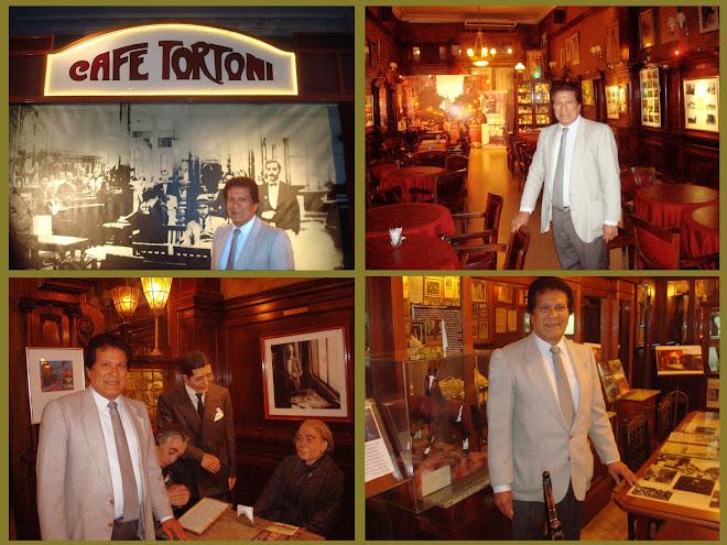 En el Gran Café Tortoni de la Ciudad de Buenos Aires