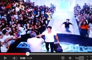 BBB 13: menino que invadiu palco e abraçou Bial combinou tudo no Facebook