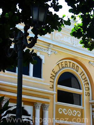Detalhe da fachada do Cine Teatro Ilhéos, em Ilhéus - Bahia
