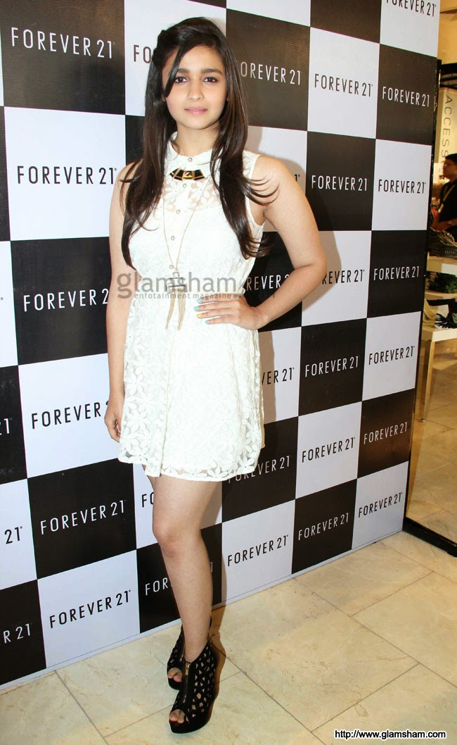 Alia Bhatt in white dress