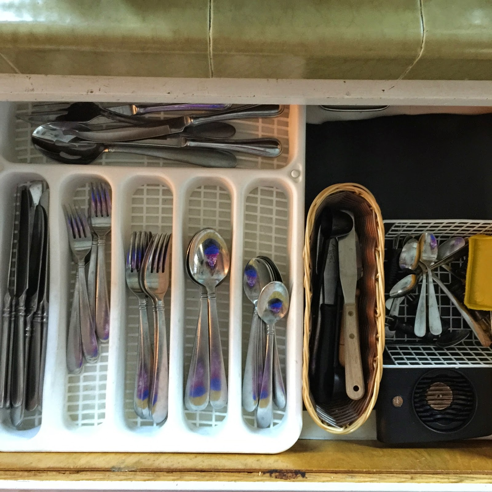 Organized utensil drawer :: OrganizingMadeFun.com