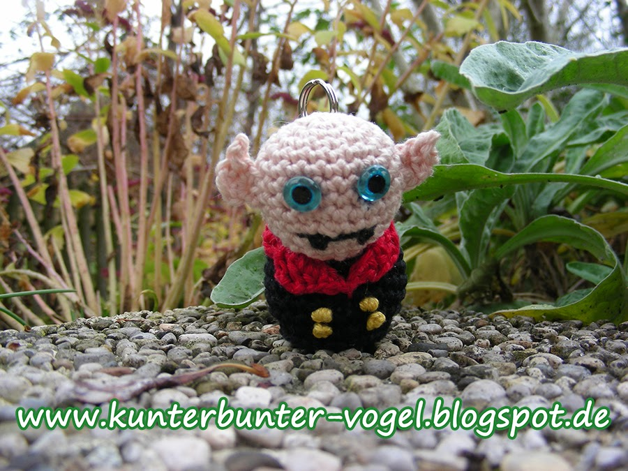 http://kunterbunter-vogel.blogspot.de/2013/11/mini-monster-nosferatu.html