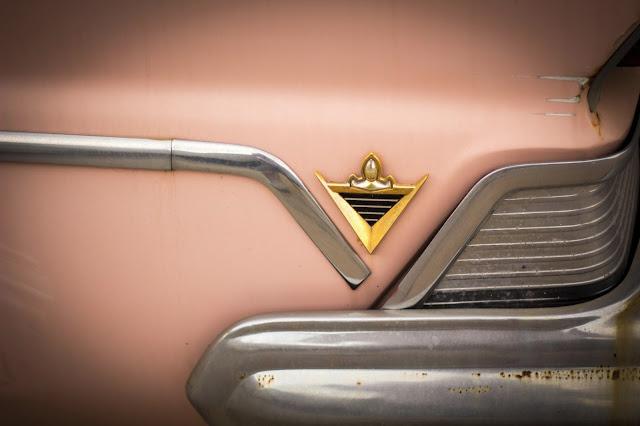 1957 Lincoln Premiere fender ornament