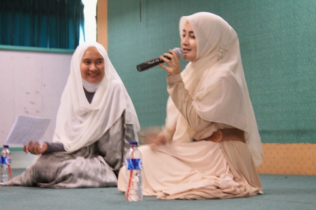 Jilbab Sederhana Ala Pipik