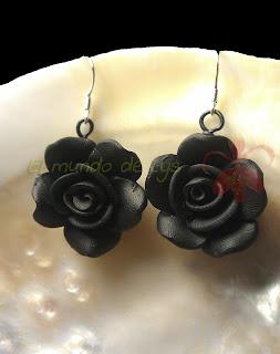 Pendientes Plata de Ley y flor negra de fimo
