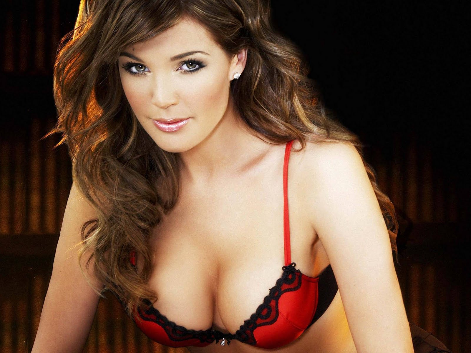 English Glamour Model Danielle Lloyd Desktop Wallpapers
