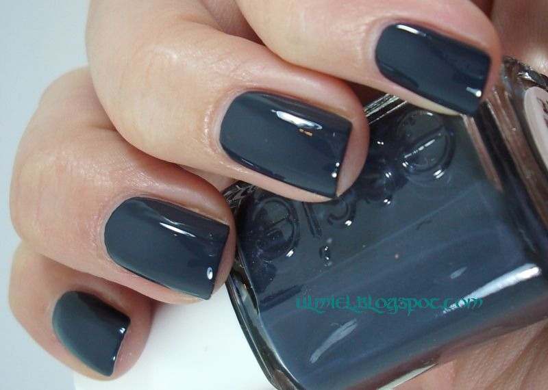 Did someone say nail polish?: Essie - Bobbing for Baubles
