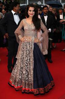 Amisha Patel 2013 pic in black lehnga