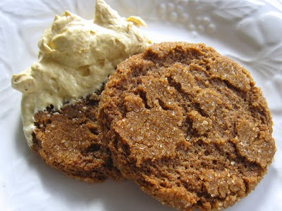Homemade Gingersnap & Pumpkin Fluff Dip