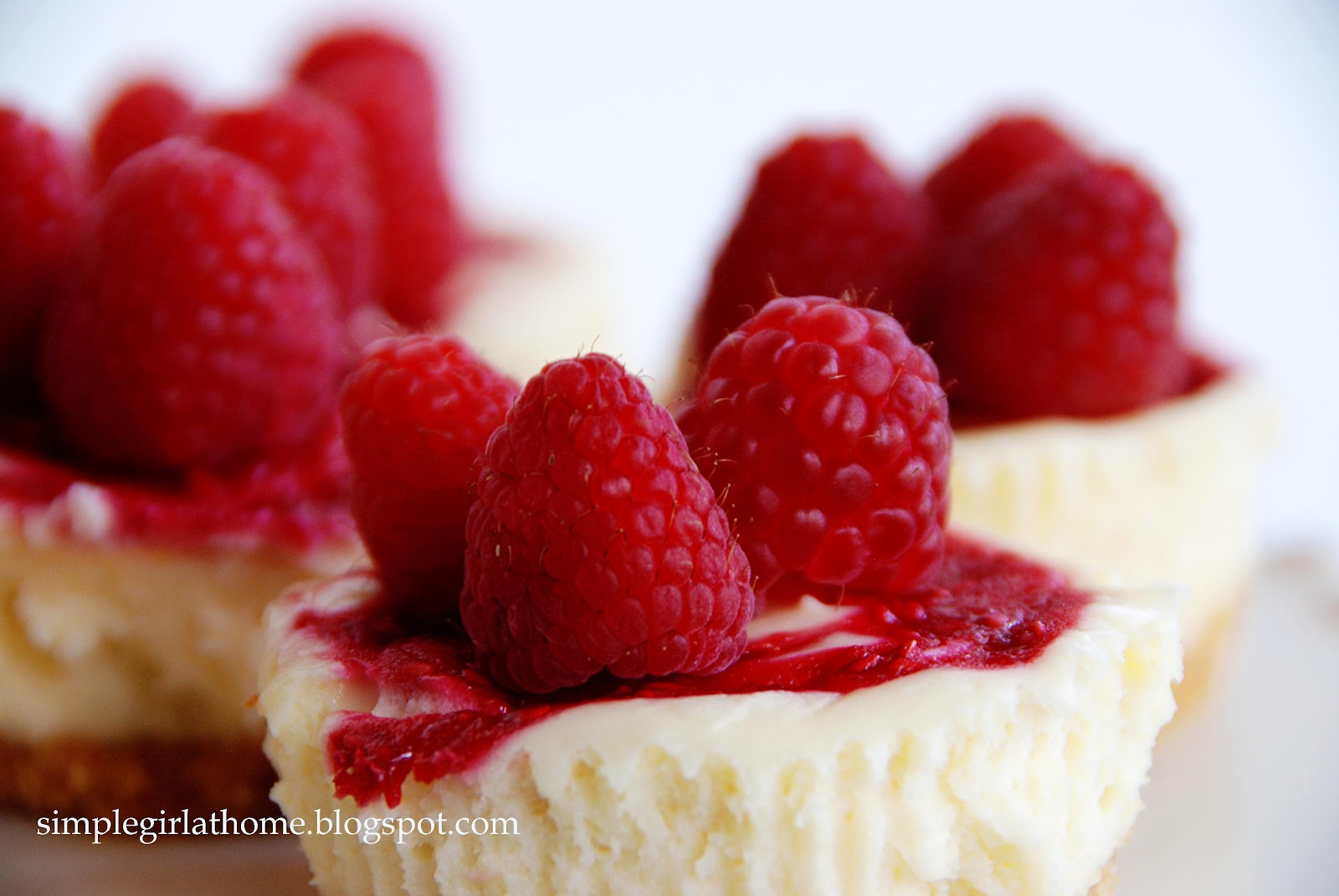 Simple Girl: Raspberry Marble Cheesecakes
