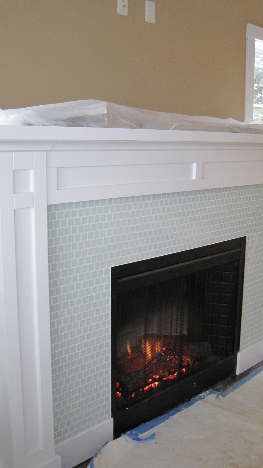 Glass fire surround creativity for Craftsman gas fireplace