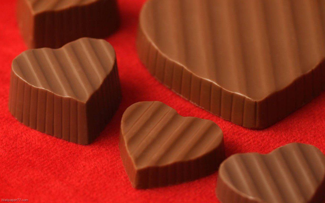 http://4.bp.blogspot.com/-TO9YwBM2-uo/T880bcs1m5I/AAAAAAAACpk/6pUNgp9X0Rk/s1600/Heart-Shaped-Chocolate-cake-wallpapers-dessert-wallpapers-food-wallpapers-1280x800.jpg