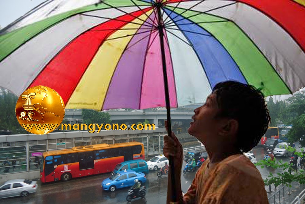 Musim Hujan Rejekinya Ojek Payung