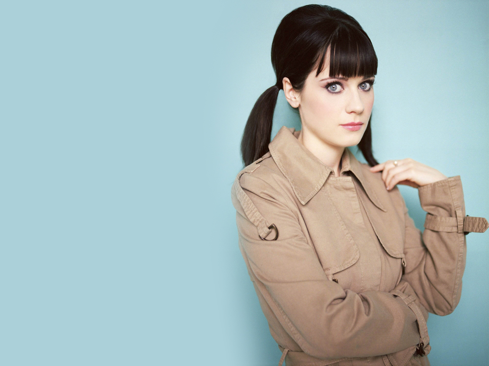 [Image: Zooey+Deschanel+new+wallpaper+2012+05.jpg]