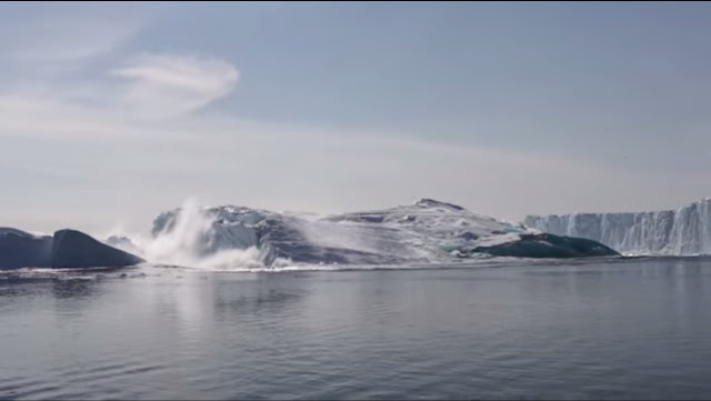 Massive Iceberg Breaking in Greenland recorded on camera