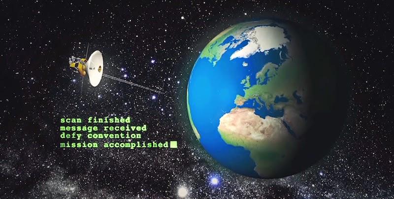 【動画】「マツダ・RX-8」がドリフトで描く宇宙に向けたマツダロゴ!
