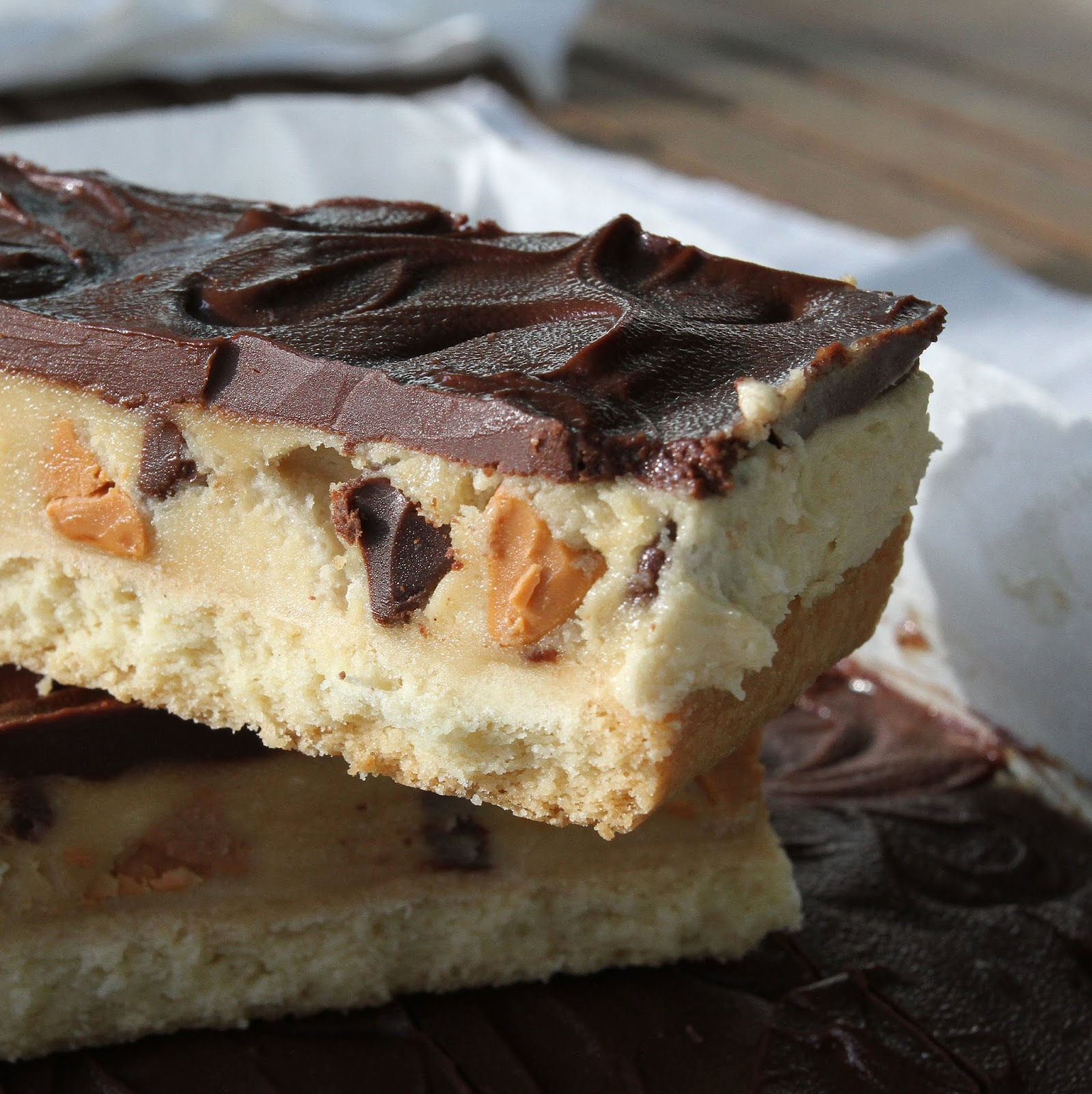 pepsakoy: Chocolate & Butterscotch Chips Cookie Dough Bars