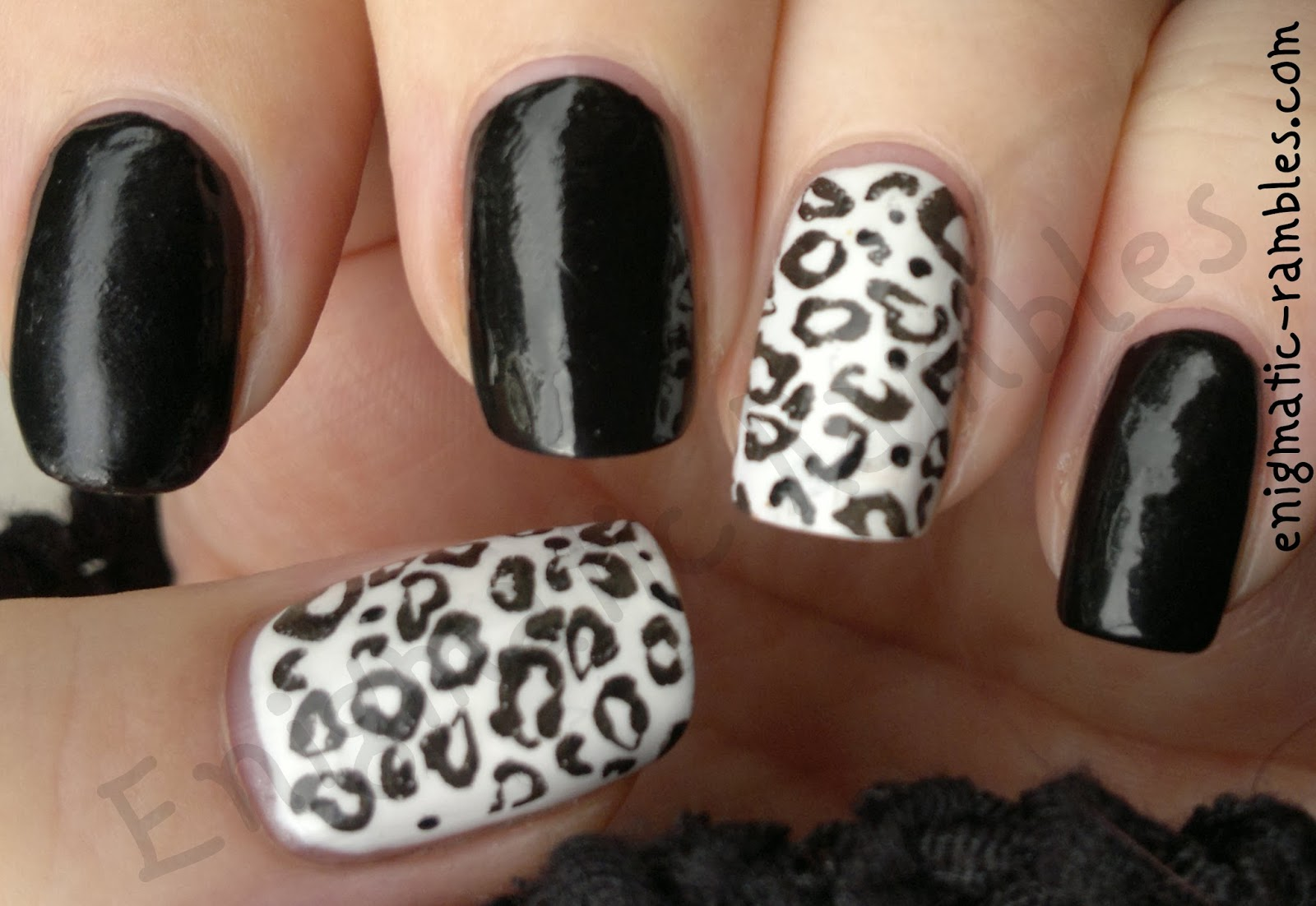 black-and-white-leopard-nails-nail-art-stamped-stamping-bundle-monster-221-BM221-Sinful-colors-snow-me-white