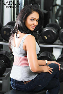 Sri Lankan Hot Model Yureni Noshika At The Gym