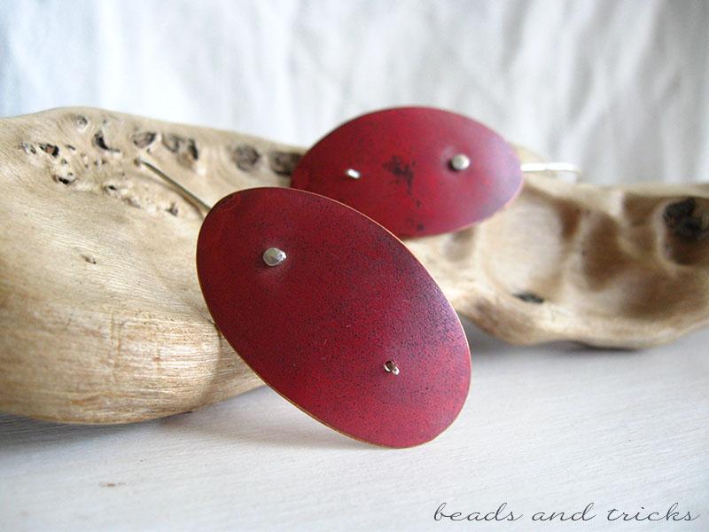 Orecchini in arme con patina rossa e argento 925