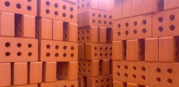 Купить красный кирпич в Харькове и области