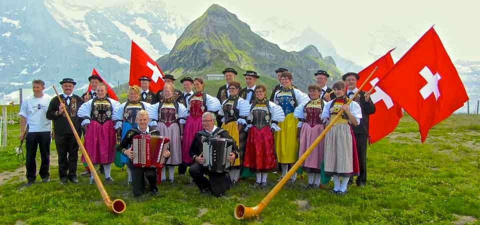 Latschariplatz Blog Nr. 25 > Musik & Brauchtum in der Schweiz