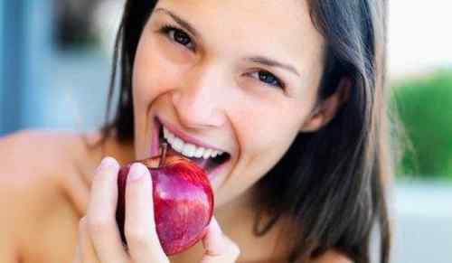 Makan Apel Bersama Kulitnya