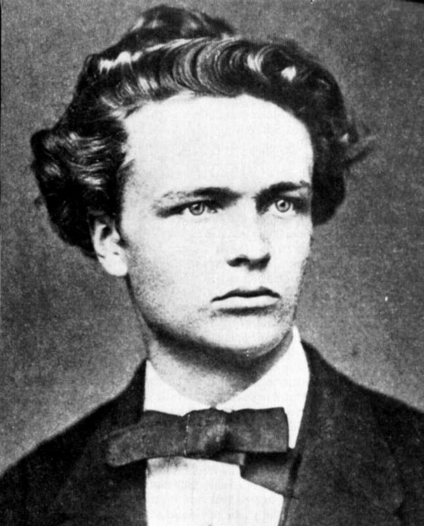 august strindberg Creditors august strindberg duncan graham's twisting new version is a classic  emotional thriller is up there with the best of them.