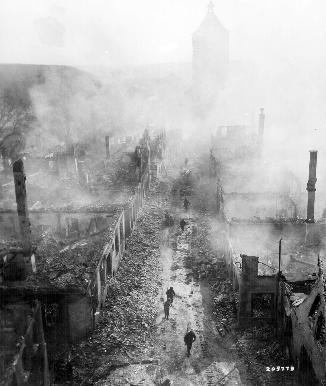 Historical photos ww2 waldenburg destruction for How many homes were destroyed in germany in ww2