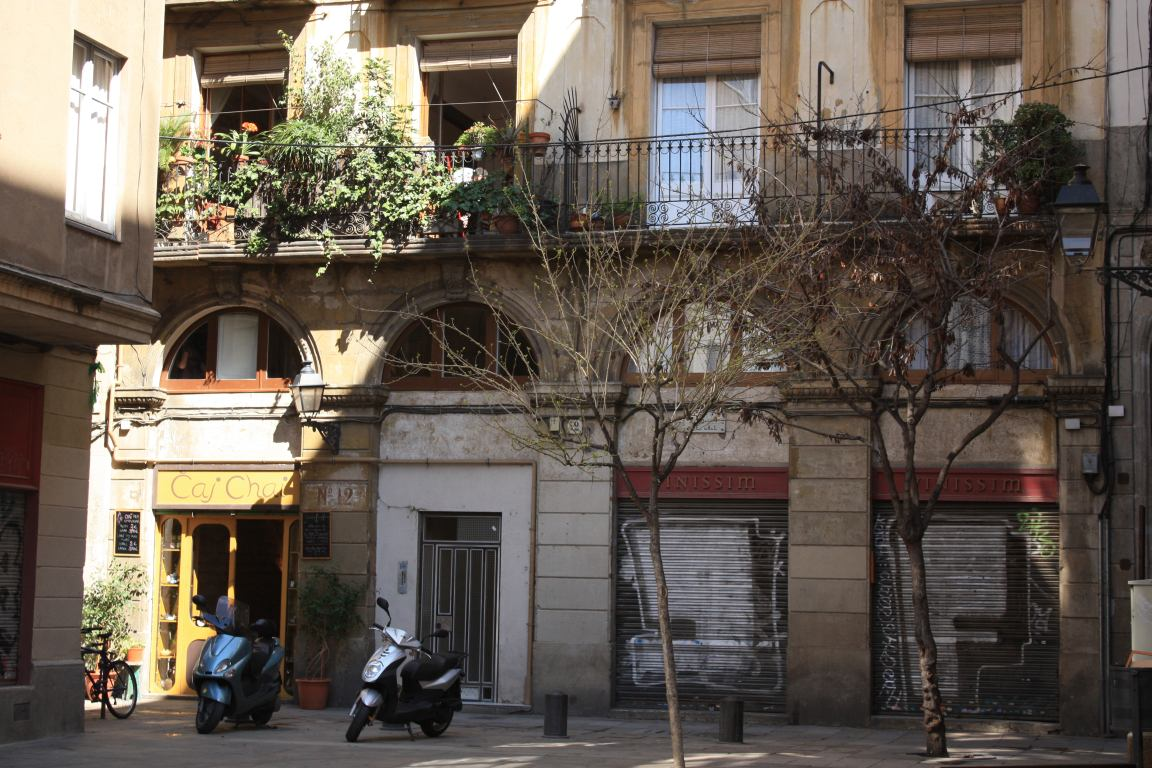 Barcelona two nice tea houses beautiful places of - Nice home barcelona ...